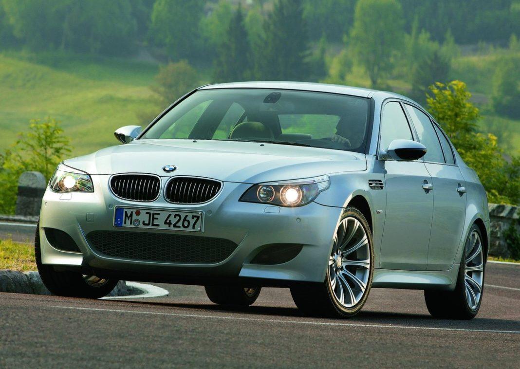 BMW M5 modelo 2005 está envolvida no recall
