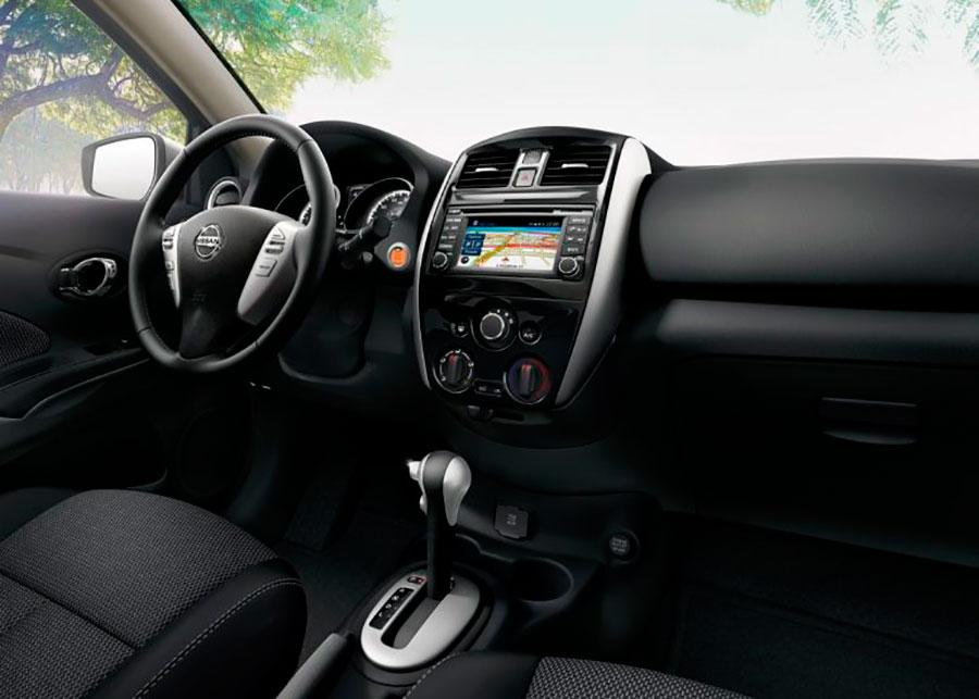 Interior do novo Nissan Versa 2017 vendido nos EUA