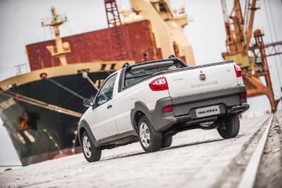 Fiat Strada chega à linha 2017
