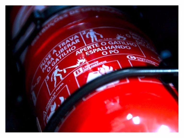 Extintor de incêndio ABC pode voltar a ser obrigatório