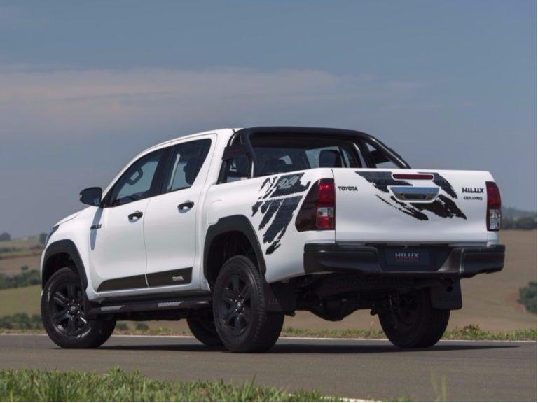 Toyota Hilux e SW4 ganham novas versões na linha 2018