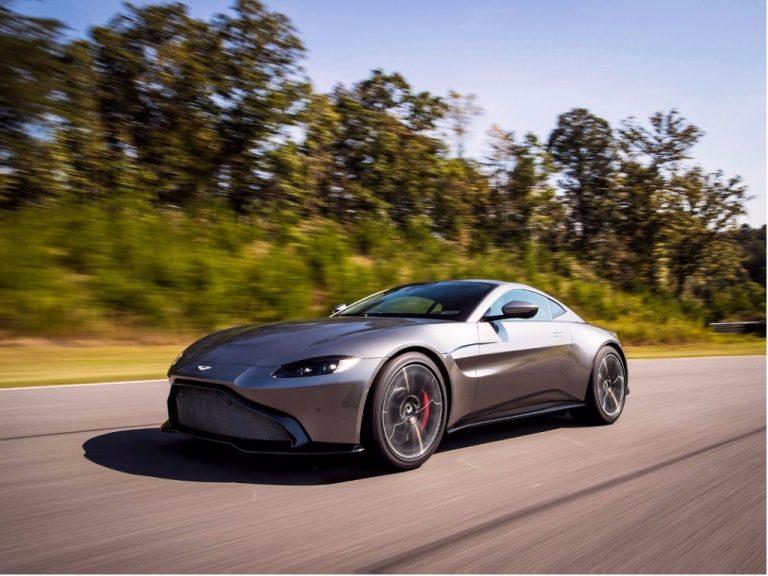 Aston Martin revela seu novo superesportivo Vantage