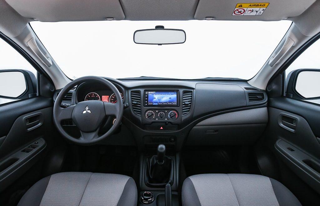Interior da nova L200 Triton Sport Outdoor
