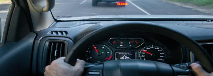 Chevrolet S10 2021 freando automaticamente ao detectar um obstáculo