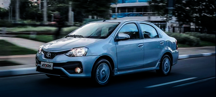 Carro para trabalhar com aplicativos: Toyota Etios