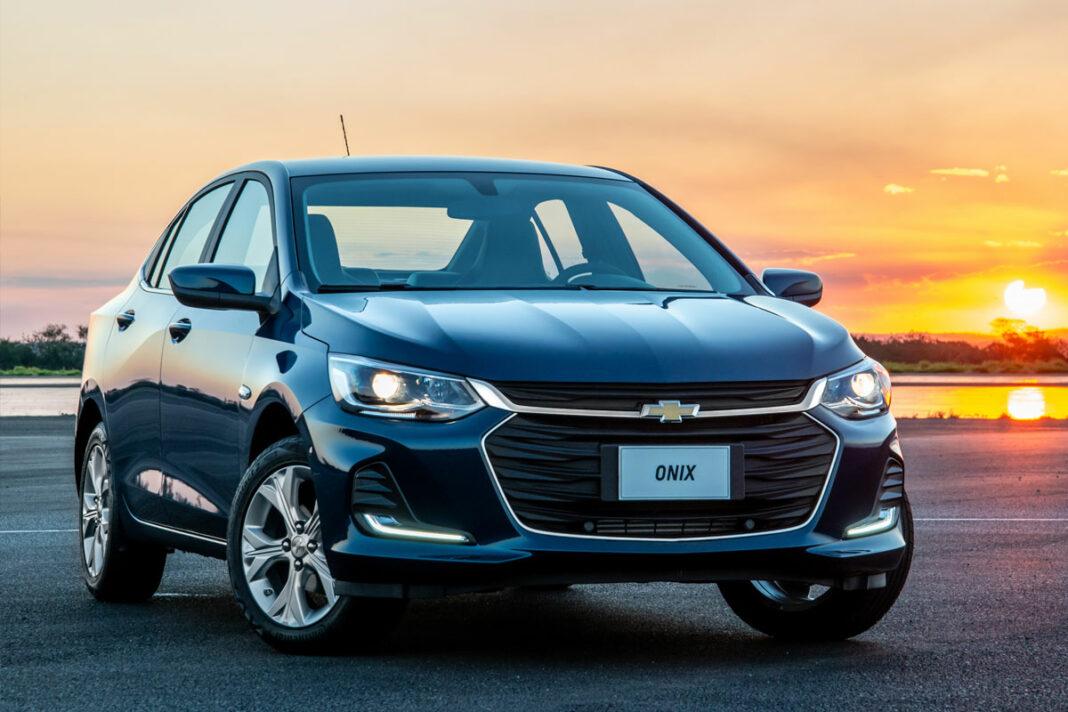 O Chevrolet Onix está no topo da lista dos carros mais vendidos em novembro de 2020