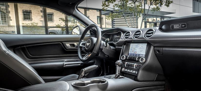 Interior do novo Mustang Mach 1